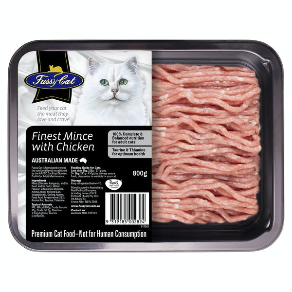Fussy Cat | Finest Mince with Chicken 800g | Chilled cat food | Front of pack